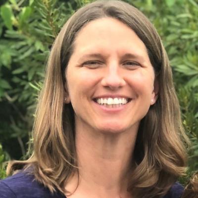 Dr. Michelle Lewis headshot